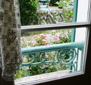 Window Table at Giverny