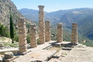 Temple of Apollo (4th century BC), Delphi - The Oracles fortold here.